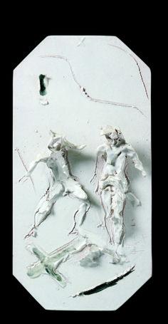 Lucio Fontana, Via Crucis Bianca, X Stazione: Gesù viene spogliato, ceramica smaltata