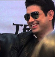 Ian Veneracion, Ex Boyfriend, Hollywood Stars, Boyfriends, Pilot, Athlete, Mens Sunglasses, Actors, Friends