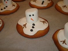 Melted Snowman Cookies!! These are so awesome!! So going to try these this year!