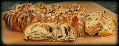 Sweet and That's it: Romanian Easter Bread - Pane Pasquale Rumeno Yummy Food, Easter, Bread, Baking, Sweet, Recipes, Candy, Delicious Food, Easter Activities