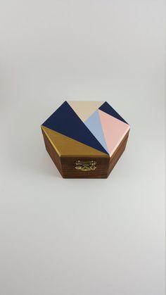 Hey, I found this really awesome Etsy listing at https://www.etsy.com/ca/listing/386894560/hexagonal-geometric-handmade-jewelry-box