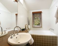 Falconer St Residence - Bathroom - by Samara Greenwood Architecture - www.sgarch.com.au