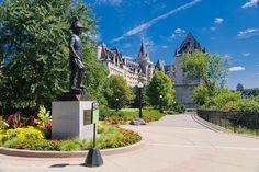 15 Best Things to Do in Ottawa (Ontario, Canada) - The Crazy Tourist Yukon Canada, Ottawa River, Canada North, Lake Havasu City, Ottawa Ontario, Hill Park, Canada Travel, Capital City, North America