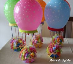 Hot air balloon centerpieces- would do like the MLP air balloon Hot Air Balloon Centerpieces, Balloon Decorations, Birthday Decorations, Baby Shower Balloons, Birthday Balloons, Baby Shower Parties, Kids Crafts, Diy And Crafts, Diy Birthday