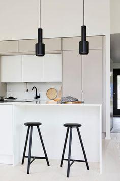 Interior Desing, Flat Interior, Kitchen Interior, Kitchen Decor, Kitchen Rules, New Kitchen Cabinets, Building A New Home, Küchen Design, Modern Kitchen Design