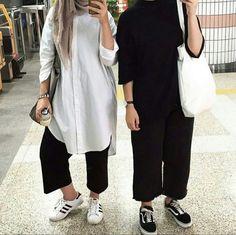 Hijab Casual, Hijab Style, Hijab Chic, Hijab Outfit, Modern Hijab Fashion, Muslim Women Fashion, Modest Fashion, Fashion Outfits, Islamic Fashion