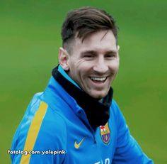 Lionel Messi : Hoje o Barcelona disputa a semi final do mundial de clube contra o time do técnico Felipão, o nome do time é tão complicado que nem vou por aqui, pq estou com preguiça de procurar pra copiar e colar rs. O jogo será às 08:30 da manhã, e será transmitido pela Sportv.  Bom dia à todos   yolepink