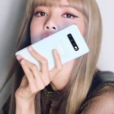 Used Cell Phones, Living Dolls, Blackpink Lisa, Yg Entertainment, Asian Girl, Lily, Iphone, Bb, Action