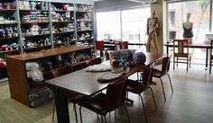 Χώρος σεμιναρίων Conference Room, Table, Furniture, Home Decor, Homemade Home Decor, Meeting Rooms, Tables, Home Furnishings, Interior Design