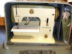 Bernina 700 original carry case.