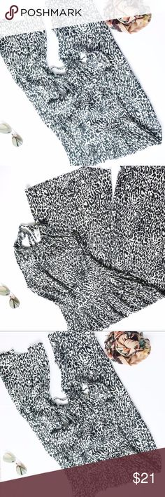 Gracie Halter Jumpsuit This jumper is a halter style at the top that ties with strings. Also please note that the leg on the pant is flared. Such a fun beautiful print. I'm open to offers on this item. L 53 W 14 Gracie Pants Jumpsuits & Rompers