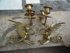 412,00 EUR.  Russie 18eme/début XIXeme:Superbe Paire de Bougeoir en Bronze Doré Griffon Antique Lighting, Candle Sconces, Wall Lights, Bronze, Candles, Antiques, Decor, Russia, Antiquities
