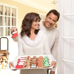 Country power couple Amy Grant and Vince Gill enjoy making these Brown Sugar Pecan Crisp cookies at Christmastime. Christmas Shows, Christmas Recipes, Christmas Music, Christmas 2014, Sugared Pecans, Amy Grant, Vince Gill, 1 Stick Of Butter, Sugar Sprinkles