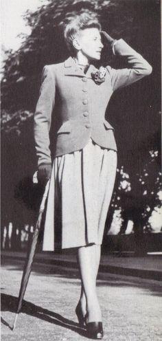 1939 - Balenciaga suit