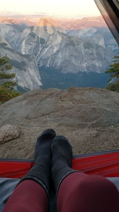 adventure travel Guide to backpacking the Eagle Peak overlook in Yosemite National Park, California Travel Photographie, California National Parks, California California, Travel Videos, Travel Tips, Travel Hacks, Travel Info, Travel Packing, Travel Essentials