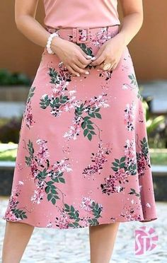Saia midi evangélica sol da terra 03473 in 2019 Cute Fashion, Modest Fashion, Hijab Fashion, Trendy Fashion, Fashion Dresses, Womens Fashion, Elegant Dresses, Cute Dresses, Skirt Outfits Modest