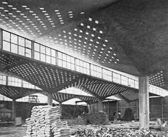 Fábrica High Life, Calle de París, Coyoacán, México DF 1955  Arq. Félix Candela  Foto: Erwin Lang -  High Life Textile Factory, Coyoacan, Mexico City 1955