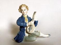 Porcelain Lute Player Figurine. Aelteste Volkstedter Porzellanfabrik AG, 1930s