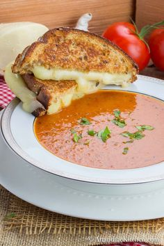 This homemade Tomato Mascarpone Soup is creamy, rich in flavour and so easy to make! Healthy Soup Recipes, Gourmet Recipes, Dinner Recipes, Cooking Recipes, Gourmet Foods, Chilli Recipes, Vegetable Recipes, Meat Recipes, Fall Recipes
