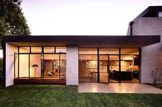 Elwood House by Preston Lane