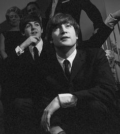 ♡ The Beatles ♡                                                                                                                                                                                 Más