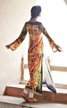 printed fabric suit By Faraz Manan