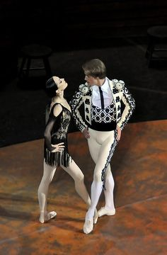 Diana Vishneva in Carmen Suite - I don't know about the crotch-emphasising pants, but the monochromatic balance in these outfits is gorgeous. I'm always a sucker for a good pattern, and these outfits (and the wearers' obvious grace and character) brings these dancers' outfits to life.
