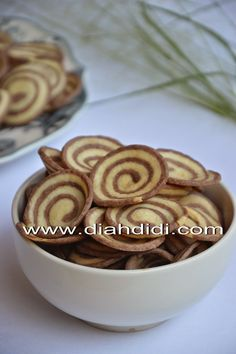 Diah Didi Kitchen, Indonesian Food, Chocolate Truffles, Cookie Bars, Cookie Recipes, Food And Drink, Ice Cream, Pudding, Sweets