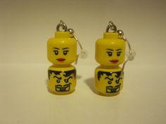 Pendientes de minicabezas originales lego. Color amarillo.