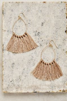 Explore new women's bohemian fashion, accessories and jewelry inspired by the world. Royal Jewelry, Jewelry Art, Jewelry Design, Jewellery, Jewelry Ideas, Tassel Earrings, Drop Earrings, Fiesta Outfit, Boho Beautiful