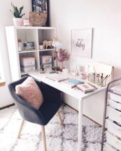 Top 30 Atemberaubendes Home-Office-Design # homeofficeideas # homeofficedesign # homeofficeo . Home Office Design, Home Office Decor, Workspace Design, Office Style, Office Desk, Desk Areas, Desk Space, Bedroom Desk, Beauty Room