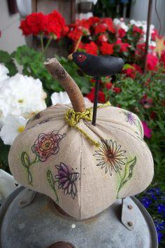 Pumpkin... Moonpieprimitives.blogspot.com