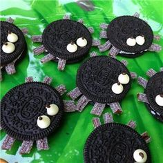 DIY Oreo Spiders - cute and perfect for a bug or insect themed birthday party!