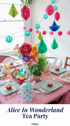 A very merry unbirthday to YOU! Whether it's your kiddo's birthday or they just love the film, invite friends and family over for an Alice in Wonderland tea party they won't soon forget. Click to find out all the recipe and decor ideas for the perfect DIY Alice in Wonderland party. Alice In Wonderland Flowers, Alice In Wonderland Tea Party Birthday, Mad Tea Parties, Girl Parties, Mad Hatter Costumes, Mad Hatter Tea, Mad Hatters, Party Queen, Heart Party