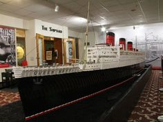 LEGO Queen Mary Permanent Exhibit Added at The Queen Mary in Long Beach, California Lego Boat, Lego Ship, Cool Lego Creations, Lego Models, Rms Titanic, Queen Mary, Lego Building, Lego Brick, Long Beach