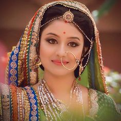 Indian Bollywood Actress, Indian Actresses, Jodhaa Akbar, Beautiful Bride, Beautiful Women, India Sari, Dulhan Mehndi Designs, Fashion Illustration Sketches, Indian Outfits