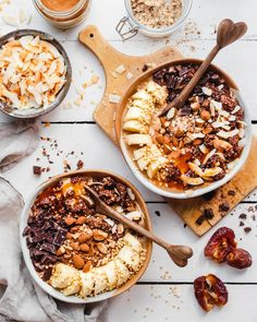 Salted Caramel Smoothie Bowls Find 11 Vegan Smoothie Bowls To Make Again and Again smoothies recipes easy smoothies diy smoothies homemade smoothies Homemade Smoothies, Easy Smoothie Recipes, Easy Smoothies, Fruit Smoothies, Smoothie Bowls Vegan, Vegetarian Smoothies, Açai Bowl, Plats Healthy, Healthy Recipes