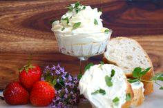 Vispat smör:   100g kylskåpskallt äkta smör  Flingsalt  Oregano  Riven vitlök