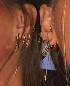 See more of manimhappy's VSCO. Ear Jewelry, Cute Jewelry, Body Jewelry, Jewelery, Jewelry Accessories, Diamond Are A Girls Best Friend, Luxury Jewelry, Fashion Pictures, Ear Piercings