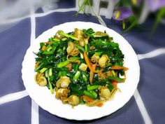 Stir-fried Scallops With Leeks Fried Scallops, Best Chinese Food, Scallop Recipes, Shredded Carrot, Tasty Dishes, Stir Fry, Food Print, Noodles, Fries
