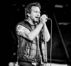 Pearl Jam Eddie Vedder, He Loves Me, My Church, Great Bands, Choir, Rock N Roll, Hot Guys, Singing, My Love