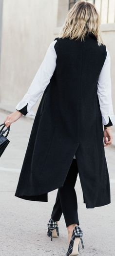 Black And White Chic Fall Street Style Inspo by Damsel In Dior