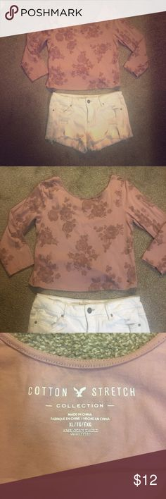American Eagle Dusty Pink Floral Crop Top! Only wore once and I don't want to get rid of it but I never wear it so it's time it goes! American Eagle Outfitters Tops Crop Tops