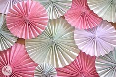 DIY #178. Un fondo con abanicos de papel/ Fan backdrop