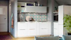 Кухня в  цветах:   Белый, Серый, Темно-зеленый, Темно-коричневый.  Кухня в  стиле:   минимализм.