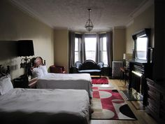 How to Bid, Buy and Win on Priceline Work In New York, Living In New York, Chelsea Hotel, Chelsea Nyc, New York Landmarks, Empire State Of Mind, Hotel Interiors, House Tours, Room