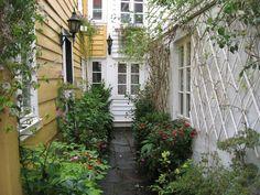 Everyday Bergen: Somewhere in ... 7