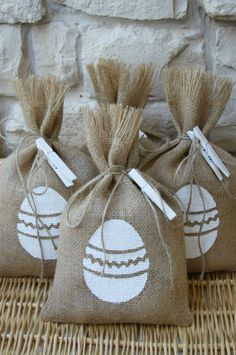Burlap Gift Bags or Treat Bags, Set of FOUR, Easter Eggs, Natural and White, Shabby Chic Gift Wrapping.