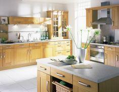cocina roble jarron flores blancas