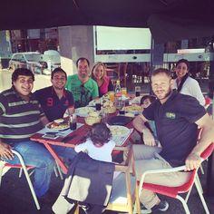 Tener #tiempo para estar con algunos de tus mejores #amigos de infancia #comiendo juntos un #lunes en #Salto... #notieneprecio   → www.welingtondesosa.com